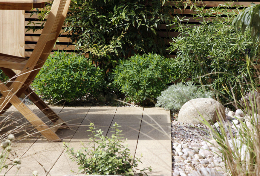 decking used by greencube as a social space in or chislehurst, kent garden design