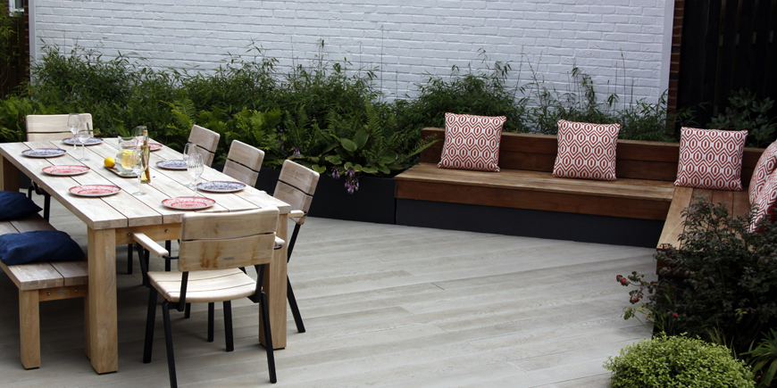repeat of materials, maximises the limited space in greencube's Sevenoaks, Kent pocket garden