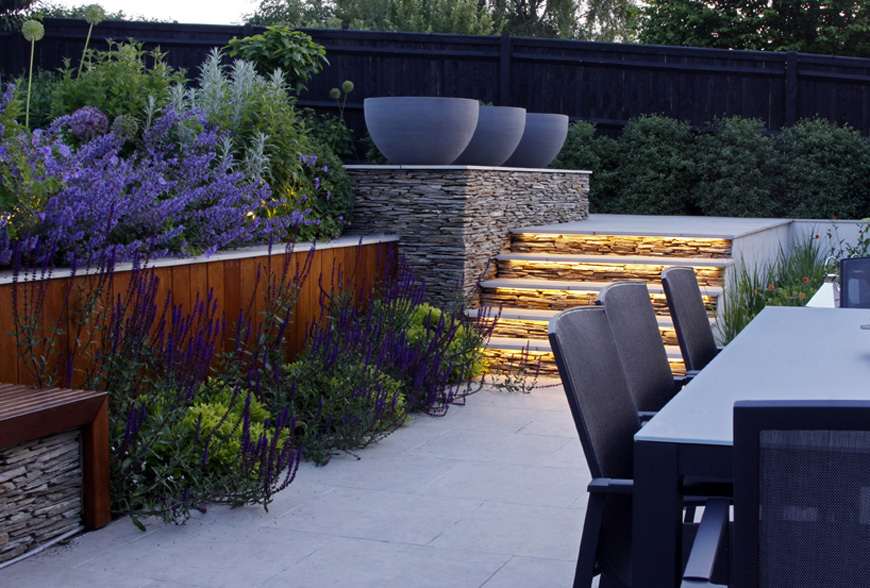 evening dining in this greencube garden design